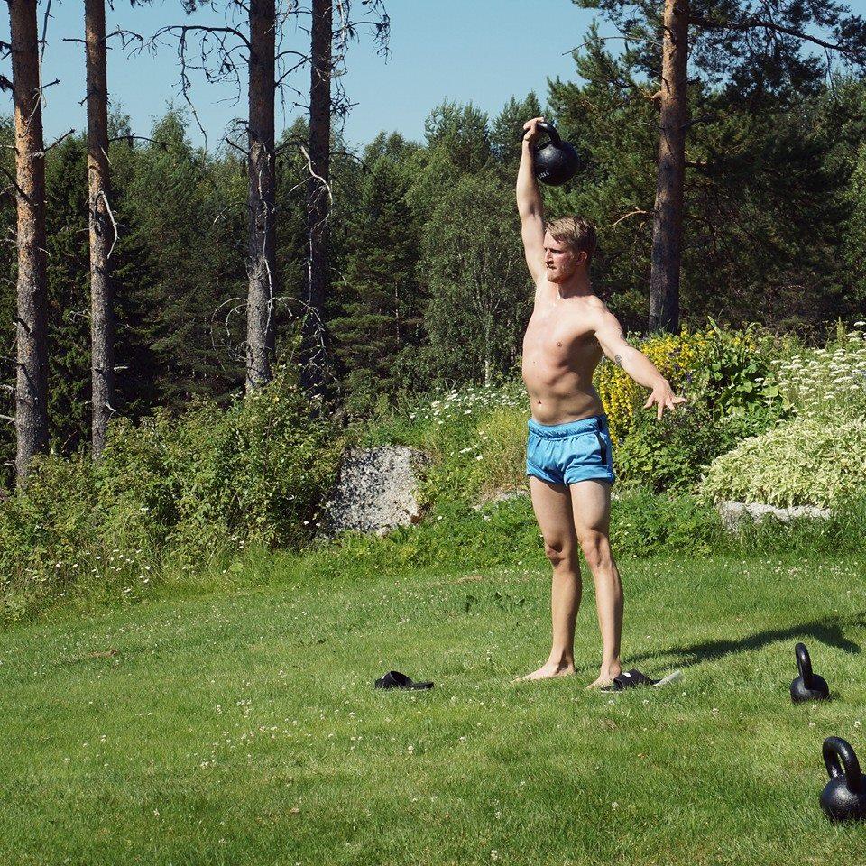 semester pt i västerås patrick rapp personig tränare personal trainer malmqvist jimmy massage kettlebell norrland