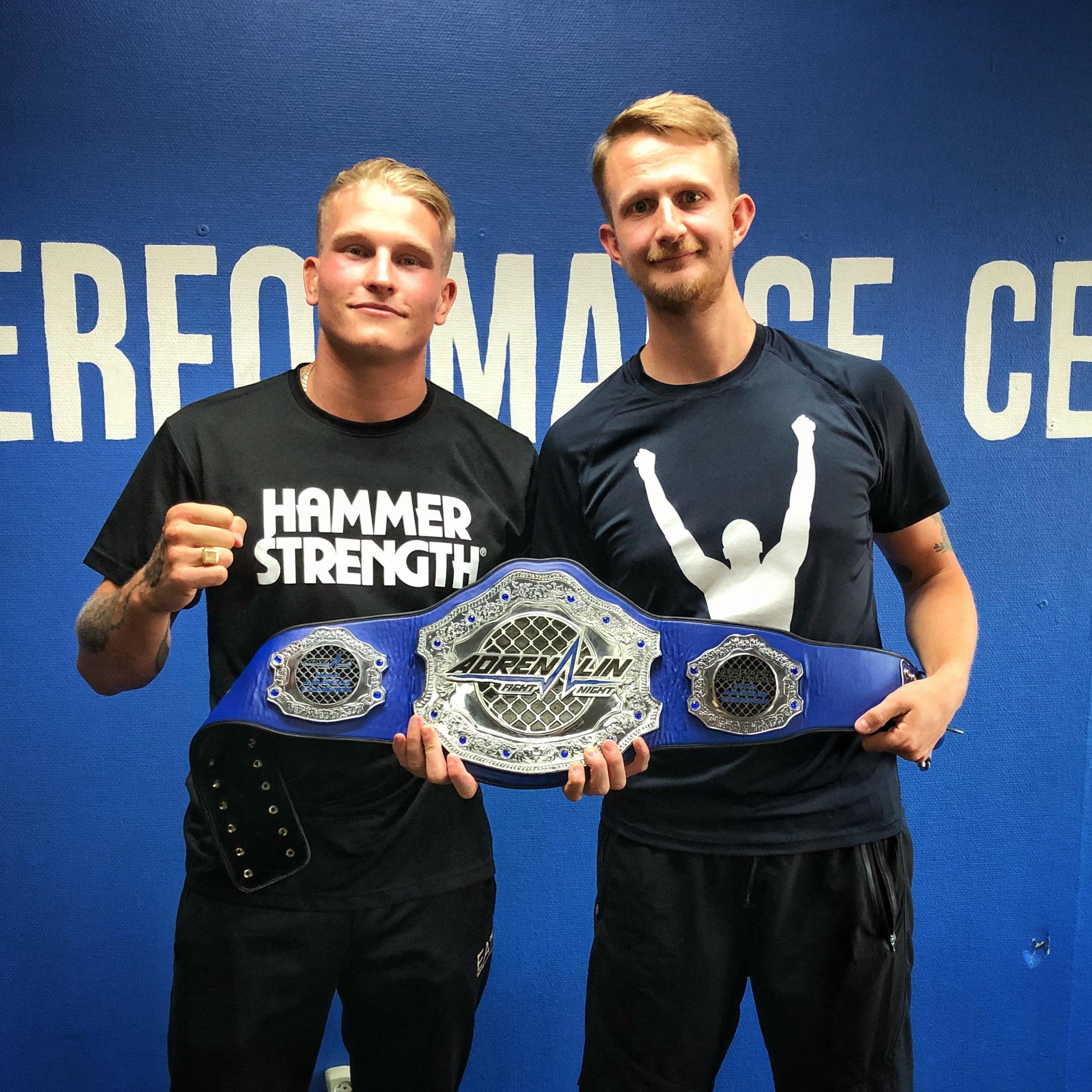 MMA fightern Robin Roos med vår personliga tränare Patrick Rapp